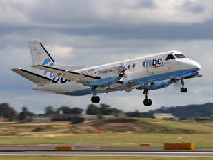 Flybe Flight Makes Emergency Landing Due to Mid-Air Hydraulics Failure | FairPlane UK image