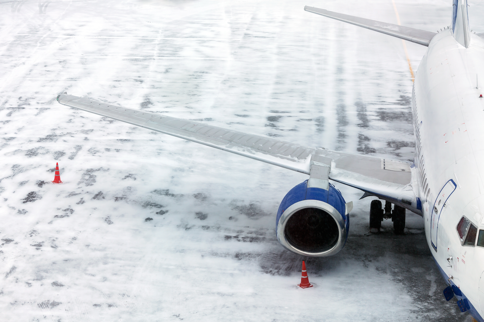 Flight delay compensation claims expected to rise this winter | FairPlane UK image