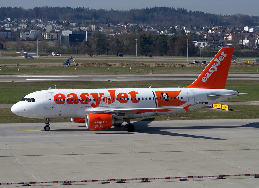 Bad weather leads to Belfast man suffering 60 hour easyJet flight delay image