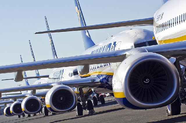 Ryanair perform flight delay compensation U-turn image