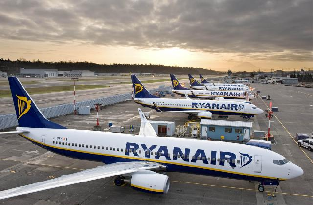 Ryanair announce further flight cancellations | FairPlane UK image