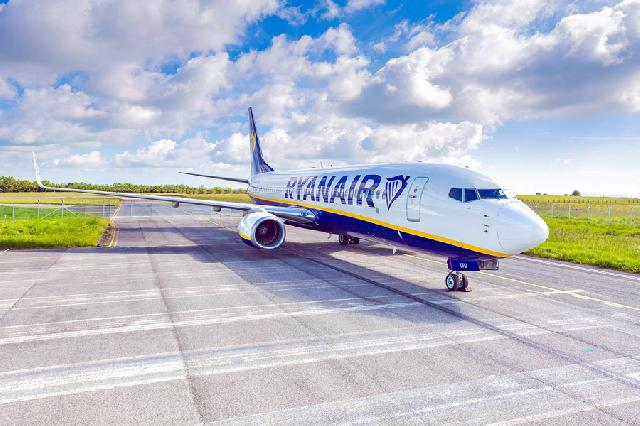 Ryanair pilots set to strike image